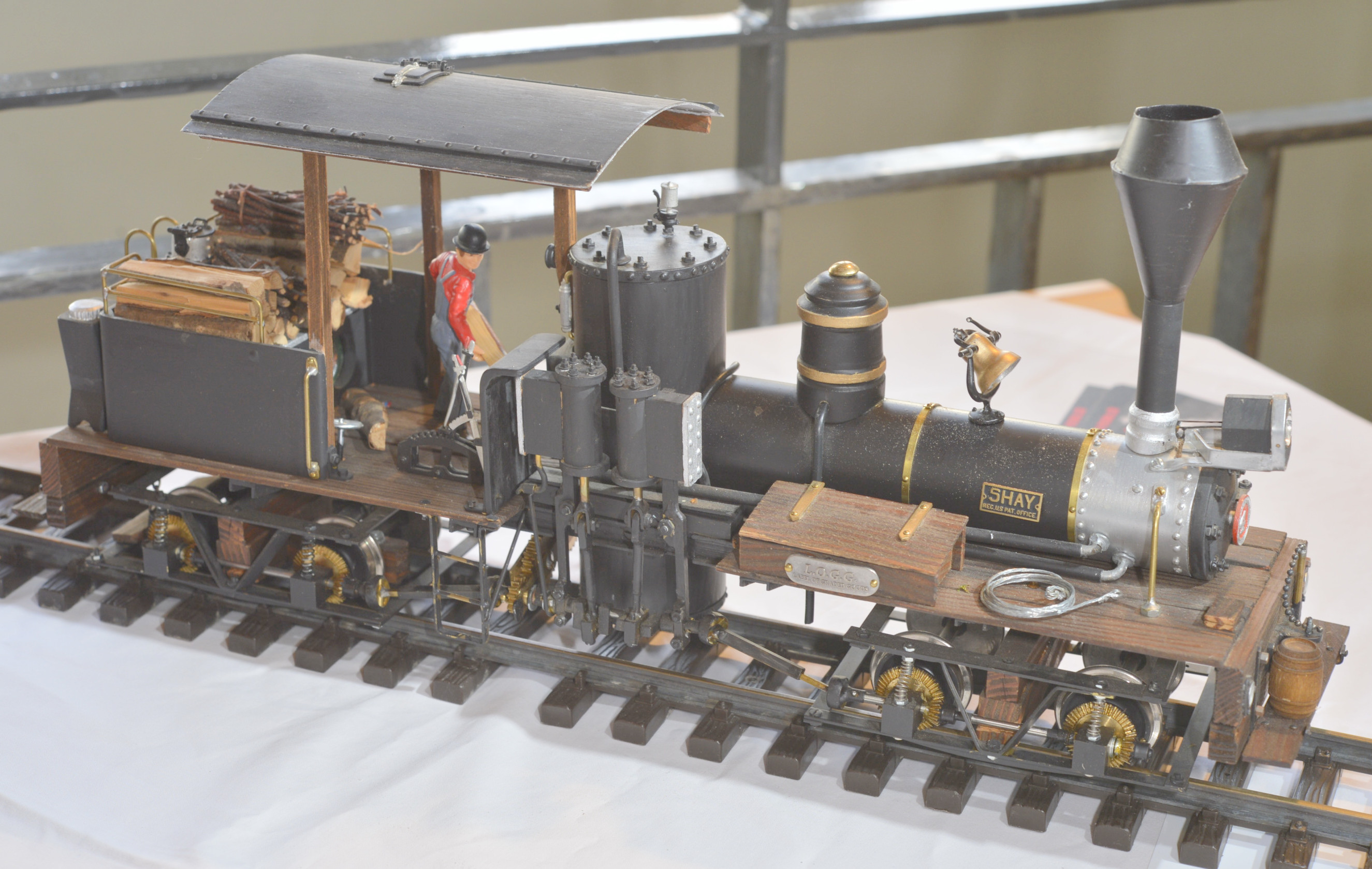 M Hintermann g Scale bild 011